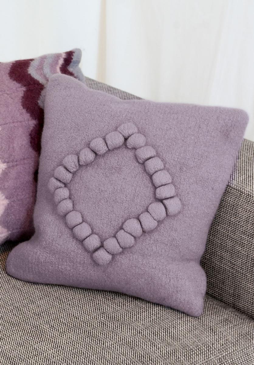 lana grossa noppen kissen feltro strick filz no 10. Black Bedroom Furniture Sets. Home Design Ideas